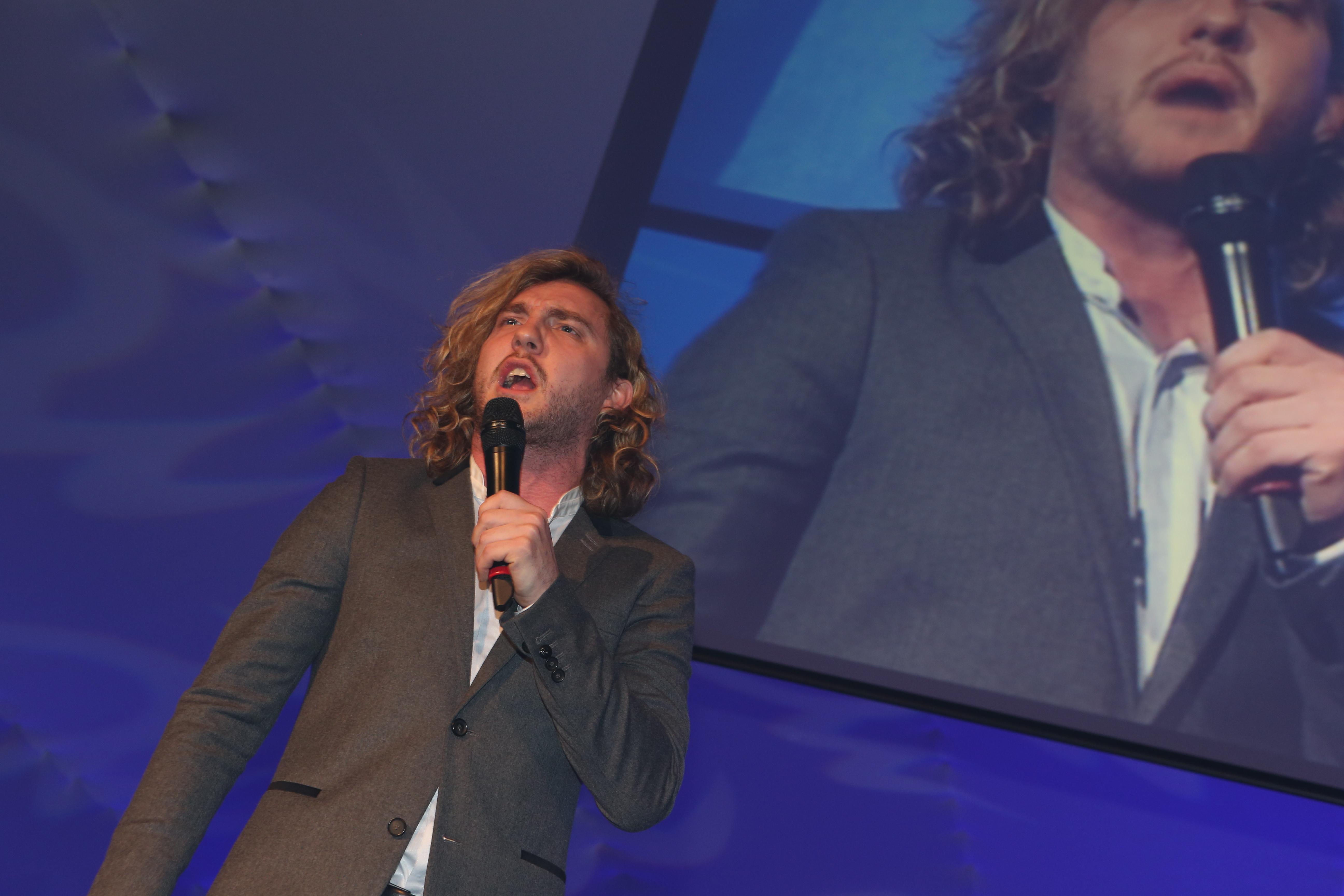 Comedian Seann Walsh hosts B2B Marketing Awards 2012