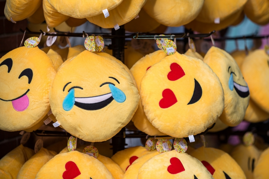 Adding additional emotions to the Facebook Like button using emoticons (emojis)