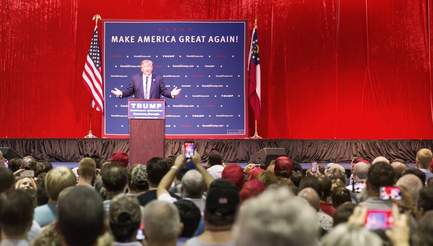 Donald Trump presidential campaign rally image