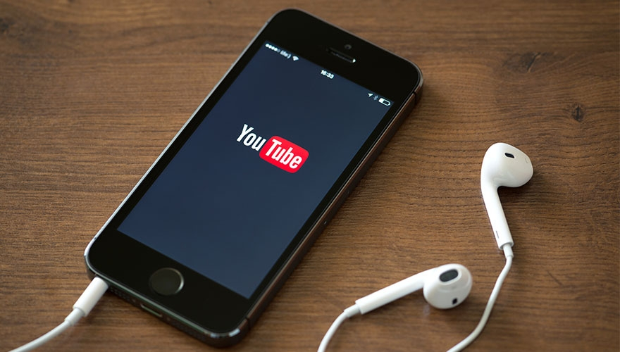 YouTube launches six-second Bumper ads image